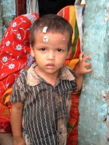 india-child in slums